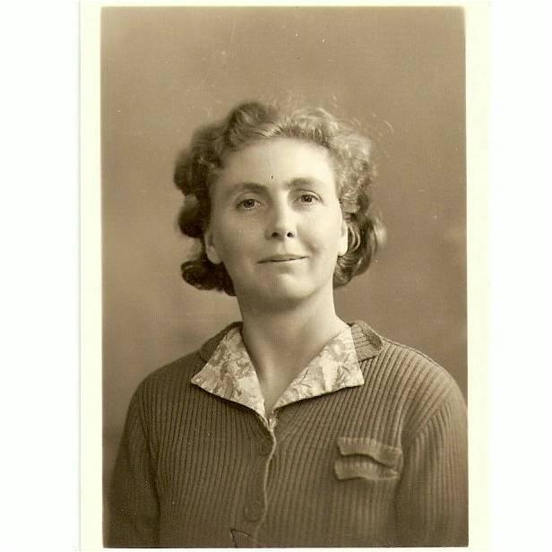 Jim's 1940 passport photograph